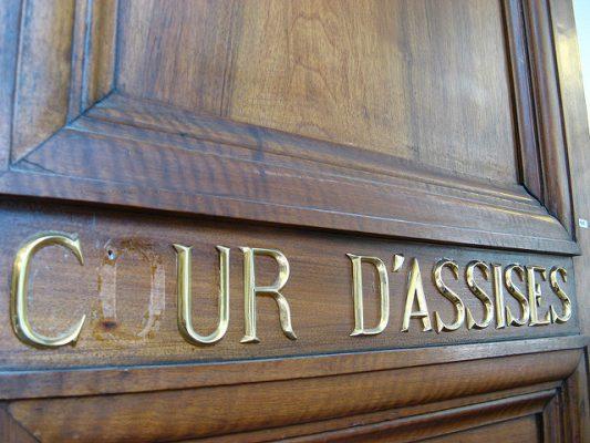 Les jurés d'assises à la cour d'assises.